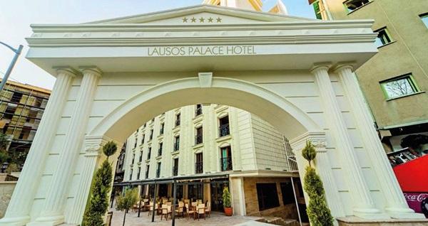 Yılbaşında da geçerli Şişli Lausos Palace Hotel'de kahvaltı dahil 1 gece konaklama seçenekleri 250 TL'den başlayan fiyatlarla! Fırsatın geçerlilik tarihi için DETAYLAR bölümünü inceleyiniz.