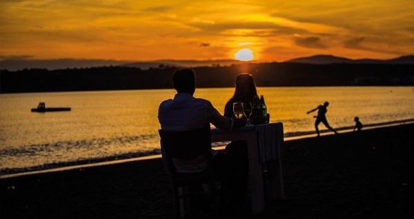 Seferihisar Teos Ormancı Tatil Köyü'nde kahvaltı dahil çift kişilik 1 gece konaklama seçenekleri 249 TL'den başlayan fiyatlarla! Fırsatın geçerlilik tarihi için, DETAYLAR bölümünü inceleyiniz.