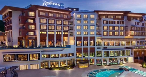 Radisson Blu Hotel&Spa İstanbul Tuzla'da kahvaltı dahil çift kişilik 1 gece konaklama ve spa keyfi