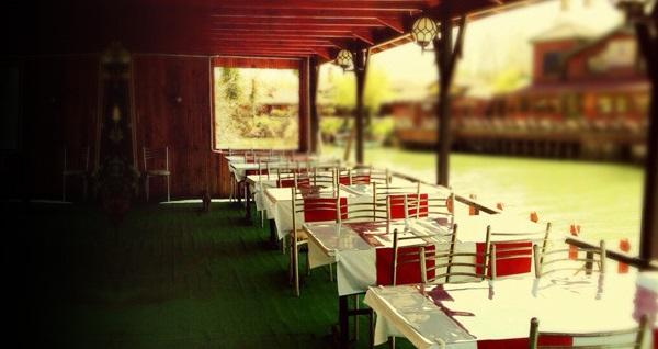 Ağva Motel Sebastian'da enfes serpme köy kahvaltısı keyfi 49,90 TL! Fırsatın geçerlilik tarihi için DETAYLAR bölümünü inceleyiniz.