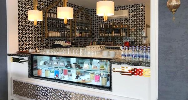 Esendere 1453 Osmanlı Cafe'de çift kişilik saraylı kahvaltı ve Türk kahvesi keyfi 68,50 TL yerine 41,90 TL! Fırsatın geçerlilik tarihi için, DETAYLAR bölümünü inceleyiniz.