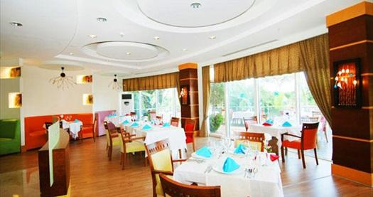 """ERKEN REZERVASYONA ÖZEL! Kemer Zena Resort Hotel'de çift kişilik odada KİŞİ BAŞI 1 gece ULTRA HER ŞEY DAHİL konaklama 82,50 TL'den başlayan fiyatlarla! REZERVASYONLAR 15 NİSAN 2015 TARİHİNE KADARDIR. FARKLI FİYATLARDAKİ TARİH OPSİYONLARI İÇİN """"HEMEN AL""""A TIKLAYIN."""