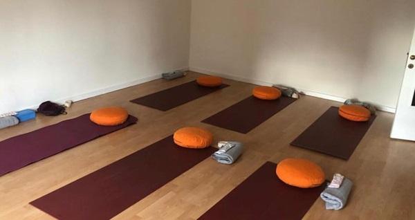 Ataşehir Satya Yoga Stüdyo'da 1 seans yoga eğitimi 50 TL yerine 25 TL! Ataşehir Satya Yoga Stüdyo'da 1 seans yoga eğitimi 50 TL yerine 25 TL!