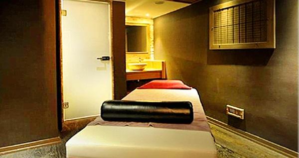 Darkhill Hotel İklima Spa'da ıslak alan kullanımı dahil kese köpük ve masaj uygulamaları 100 TL'den başlayan fiyatlarla! Fırsatın geçerlilik tarihi için DETAYLAR bölümünü inceleyiniz.