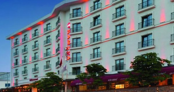 Ramada Encore Istanbul Airport Hotel'de açık büfe kahvaltı 27,90 TL! Fırsatın geçerlilik tarihi için DETAYLAR bölümünü inceleyiniz. Açık büfe kahvaltı haftanın her günü 06.30 - 11.00 saatleri arasında geçerlidir.