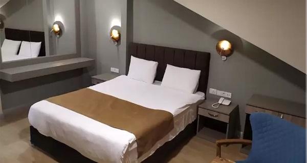 Hotel Jakaranda Istanbul'da çift kişilik konaklama seçenekleri 199 TL'den başlayan fiyatlarla! Fırsatın geçerlilik tarihi için DETAYLAR bölümünü inceleyiniz.
