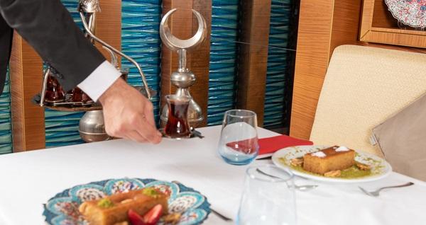 Doubletree Hilton Topkapı'da her Cuma leziz kebap menüsü 85 TL'den başlayan fiyatlarla! Fırsatın geçerlilik tarihi için DETAYLAR bölümünü inceleyiniz.