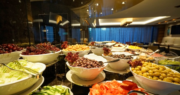 Golden Tulip Bayrampaşa Hotel'de saray ziyafeti tadında kahvaltı menüleri 24,90 TL'den başlayan fiyatlarla! Fırsatın geçerlilik tarihi için DETAYLAR bölümünü inceleyiniz.