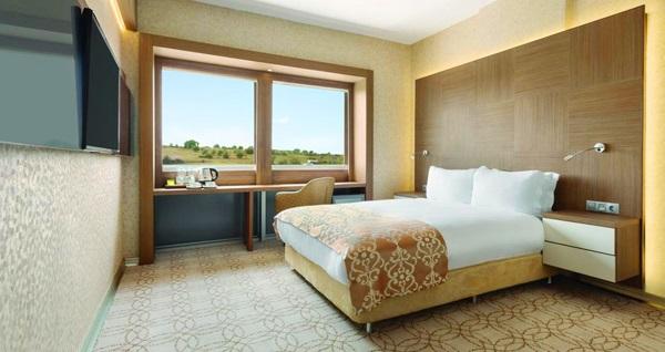 Wyndham Çerkezköy Hotel'de çift kişilik 1 gece konaklama seçenekleri 249 TL'den başlayan fiyatlarla! Fırsatın geçerlilik tarihi için, DETAYLAR bölümünü inceleyiniz.