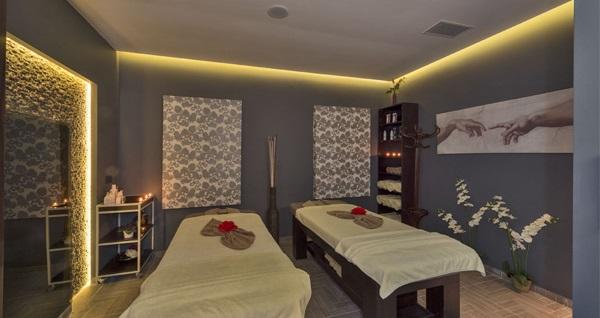 Taksim Dencity Hotel Best Spa Center'da masaj ve spa kullanımı kişi seçenekleriyle 55 TL'den başlayan fiyatlarla! Fırsatın geçerlilik tarihi için DETAYLAR bölümünü inceleyiniz.