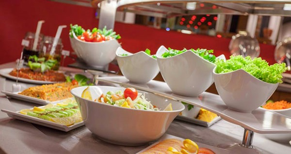 Ramada Encore İzmir'de kahvaltı dahil tek veya çift kişilik 1 gece konaklama seçenekleri 219 TL'den başlayan fiyatlarla! Fırsatın geçerlilik tarihi için DETAYLAR bölümünü inceleyiniz.