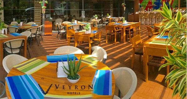 Gayrettepe Veyron Hotel'de canlı müzik eşliğinde yemek menüleri 59 TL'den başlayan fiyatlarla! Fırsatın geçerlilik tarihi için DETAYLAR bölümünü inceleyiniz.