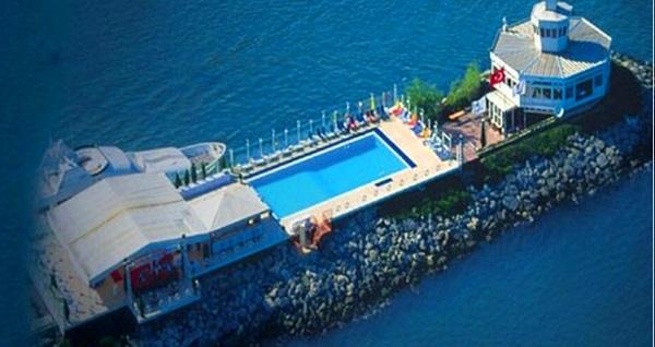 Ataköy Marina Nossa Costa'da havuz keyfi 99 TL'den başlayan fiyatlarla! Fırsatın geçerlilik tarihi için DETAYLAR bölümünü inceleyiniz.