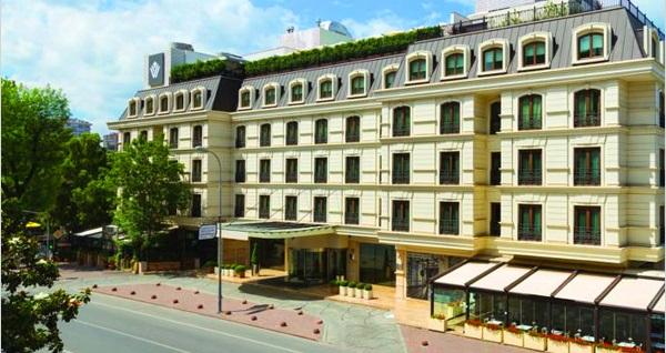 Wyndham Grand İstanbul Kalamış Marina Hotel'de Gökhan Tepe sahnesi ve leziz menüler eşliğinde yılbaşı programı 139 TL'den başlayan fiyatlarla! Bu fırsat 31 Aralık 2018 yılbaşı gecesi geçerlidir.