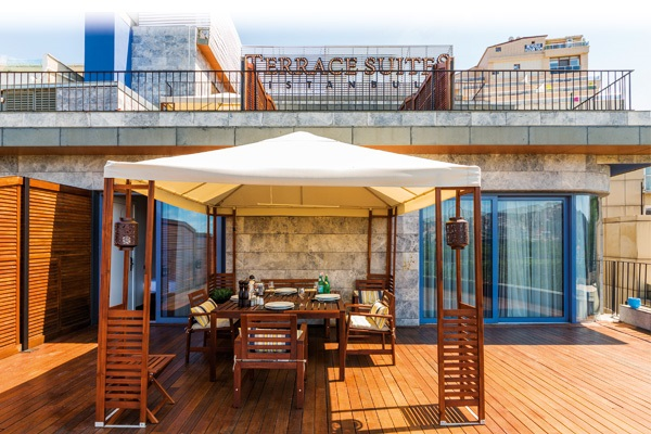 Terrace Suites İstanbul'da çift kişilik 1 gece konaklama 139 TL'den başlayan fiyatlarla! Fırsatın geçerlilik tarihi için, DETAYLAR bölümünü inceleyiniz.