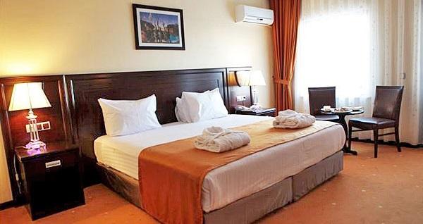Silivri Eser Diamond Hotel'de kişi seçenekleri ile konaklama ve masaj paketleri 209 TL'den başlayan fiyatlarla! Fırsatın geçerlilik tarihi için DETAYLAR bölümünü inceleyiniz.