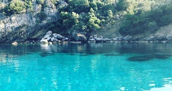 Nirvana Tekne Turları ile öğle yemeği dahil Çeşme'nin muhteşem koylarında yüzme keyfi 79,90 TL! Fırsatın geçerlilik tarihi için, DETAYLAR bölümünü inceleyiniz.