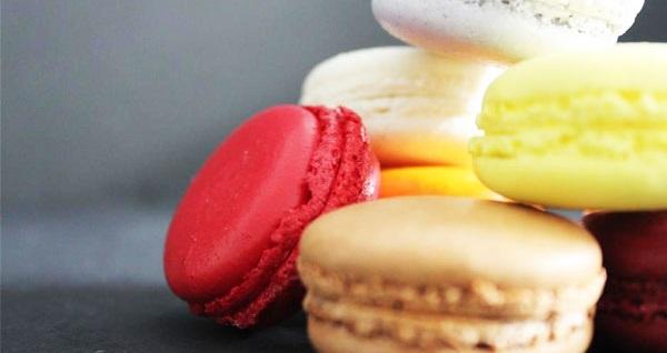 Macarons d'Antoinette'in 4 şubesinde geçerli macaron ve kahveden oluşan menü veya kutu macaron 5 TL'den başlayan fiyatlarla! Fırsatın geçerlilik tarihi için, DETAYLAR bölümünü inceleyiniz.