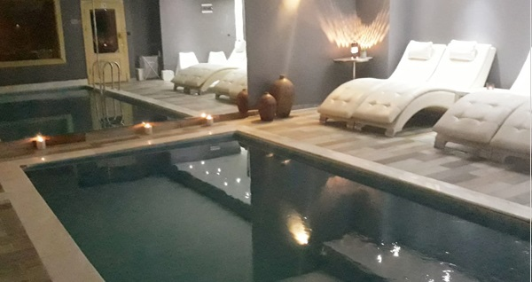 Çankaya Centrum Residence Sante Spa'da ıslak alan kullanımı dahil köpük, Bali veya İsveç masajı 99,90 TL'den başlayan fiyatlarla! Fırsatın geçerlilik tarihi için DETAYLAR bölümünü inceleyiniz.
