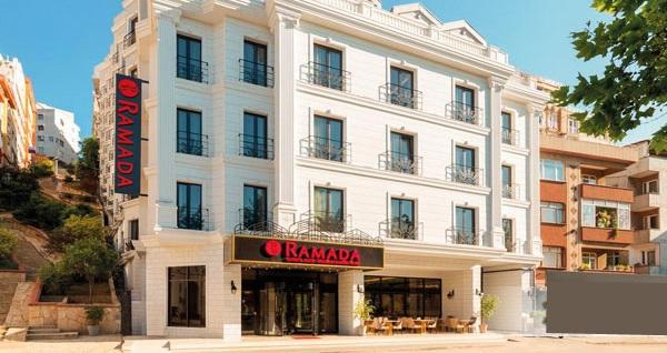 Ramada Hotel & Suites İstanbul Golden Horn'da kahvaltı dahil çift kişilik 1 gece konaklama 229 TL'den başlayan fiyatlarla! Fırsatın geçerlilik tarihi için DETAYLAR bölümünü inceleyiniz.