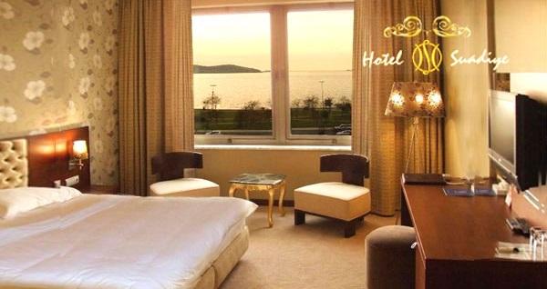 Hotel Suadiye'de manzaralı odalarda çift kişilik 1 gece konaklama seçenekleri 269 TL'den başlayan fiyatlarla! Fırsatın geçerlilik tarihi için DETAYLAR bölümünü inceleyiniz.