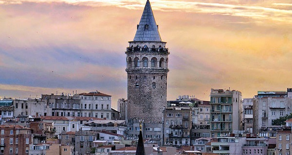 Vita Suites Karaköy'de çift kişilik 1 gece konaklama seçenekleri 179 TL'den başlayan fiyatlarla! Fırsatın geçerlilik tarihi için DETAYLAR bölümünü inceleyiniz.