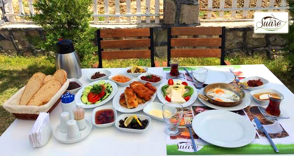 Çiçekliköy Suare Restaurant'ta tek kişilik serpme köy kahvaltısı 19,90 TL! Fırsatın geçerlilik tarihi için, DETAYLAR bölümünü inceleyiniz.