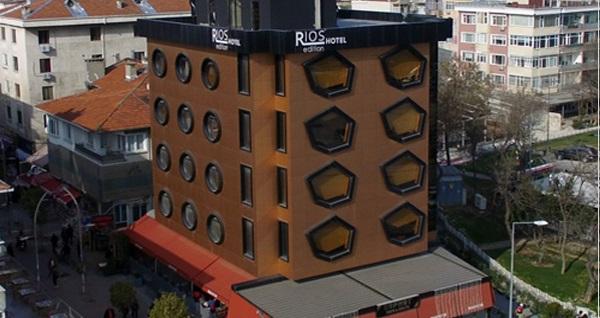 Bakırköy Rios Edition Hotel'de şehir veya deniz manzaralı odalarda 1 gece konaklama seçenekleri 299 TL'den başlayan fiyatlarla! Fırsatın geçerlilik tarihi için DETAYLAR bölümünü inceleyiniz.