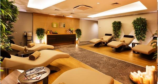 Holiday Inn İstanbul Kadıköy Beg Spa'da ıslak alan kullanımı, masaj ve kahve ikramı 99 TL'den başlayan fiyatlarla! Fırsatın geçerlilik tarihi için DETAYLAR bölümünü inceleyiniz. Hafta içi 11.00-22.00 & hafta sonu 11.00-21.00 saatleri arasında geçerlidir.