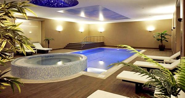Mercure İstanbul Altunizade Hotel'de çift kişilik 1 gece konaklama 219 TL'den başlayan fiyatlarla! Fırsatın geçerlilik tarihi için DETAYLAR bölümünü inceleyiniz.