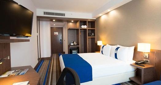 Holiday Inn Express İstanbul Airport'ta tek veya çift kişilik 1 gece konaklama 239 TL! Fırsatın geçerlilik tarihi için DETAYLAR bölümünü inceleyiniz.