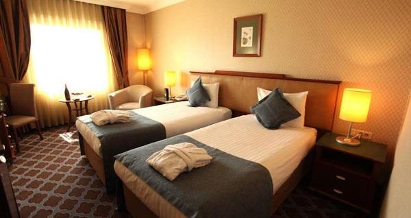The Green Park Hotel Merter'de kahvaltı dahil çift kişilik 1 gece konaklama 279 TL! Fırsatın geçerlilik tarihi için, DETAYLAR bölümünü inceleyiniz.