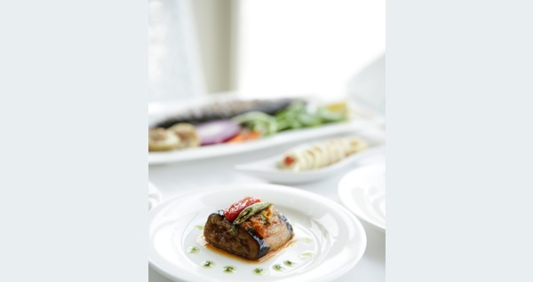 VE Hotels Boğaziçi (Vilayetler Evi) İstanbul'da Boğaz kıyısında tadına doyulmaz manzara eşliğinde fiks menü 84,90 TL! Fırsatın geçerlilik tarihi için DETAYLAR bölümünü inceleyiniz.