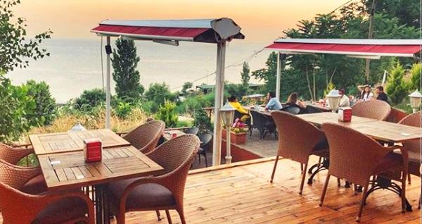 Avcılar Rumeli Garden Cafe Restaurant'ta deniz manzarası eşliğinde serpme kahvaltı 40 TL yerine 29,90 TL! Fırsatın geçerlilik tarihi için DETAYLAR bölümünü inceleyiniz.