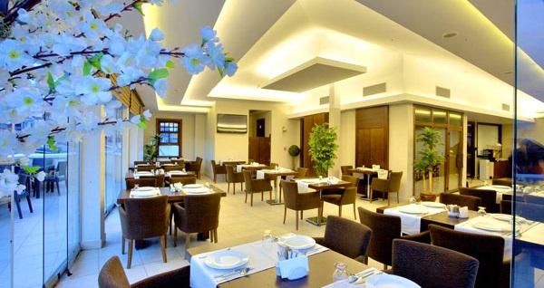 Şişli'nin görkemli hoteli Atik Palas'ta çift kişi 1 gece konaklama seçenekleri 99 TL'den başlayan fiyatlarla! Fırsatın geçerlilik tarihi için, DETAYLAR bölümünü inceleyiniz.