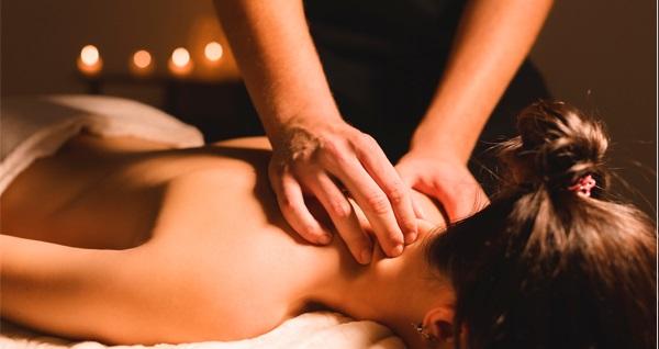 Alrazi Hotel Health Club'ta masaj uygulamaları ve spa kullanımı seçenekleri 99 TL'den başlayan fiyatlarla! Fırsatın geçerlilik tarihi için DETAYLAR bölümünü inceleyiniz.