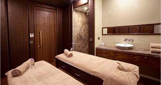 Grand Hotel De Pera Gold Spa Center'da 50 dakika masaj, kese, köpük maske, sınırsız SPA kullanımı 69 TL'den başlayan fiyatlarla! Fırsatın geçerlilik tarihi için DETAYLAR bölümünü inceleyiniz. Grand Hotel De Pera Gold Spa Center 10:00-20:00 saatleri arasında hizmet vermektedir.