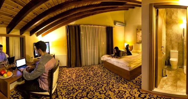 Kartepe'nin tatlı köşesi Maşukiye Cevizdibi Hotel'de çift kişilik 1 gece konaklama seçenekleri 199 TL'den başlayan fiyatlarla! Fırsatın geçerlilik tarihi için, DETAYLAR bölümünü inceleyiniz.