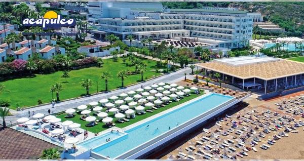 5 yıldızlı Acapulco Resort & Spa'da TAM PANSİYON PLUS uçaklı konaklama paketleri kişi başı 1.189 TL'den başlayan fiyatlarla! Detaylı bilgi ve size en uygun fiyatların sunulması için hemen 0850 532 50 76 numaralı telefonu arayın!