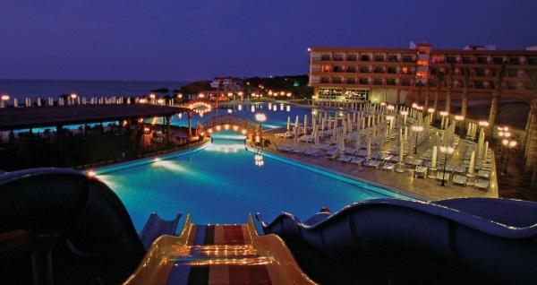 5 yıldızlı Acapulco Resort & Spa'da TAM PANSİYON PLUS uçaklı konaklama paketleri kişi başı 1.399 TL'den başlayan fiyatlarla! Detaylı bilgi ve size en uygun fiyatların sunulması için hemen 0850 532 50 76 numaralı telefonu arayın!