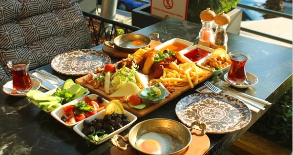 ArenaPark AVM Verona Cafe'de tek kişilik serpme kahvaltı 27,50 TL! Fırsatın geçerlilik tarihi için DETAYLAR bölümünü inceleyiniz.