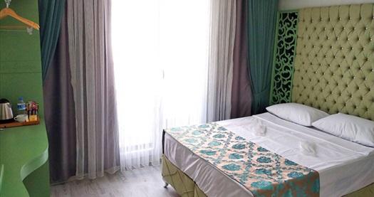 Şirinevler Green Garden Istanbul Hotel'de kahvaltı hariç 1 gece konaklama seçenekleri 159 TL'den başlayan fiyatlarla! Fırsatın geçerlilik tarihi için DETAYLAR bölümünü inceleyiniz.