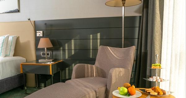 Divan Çorlu Hotel'de tek veya çift kişi 1 gece kahvaltı HARİÇ konaklama 400 TL yerine 329 TL Fırsatın geçerlilik tarihi için DETAYLAR bölümünü inceleyiniz.