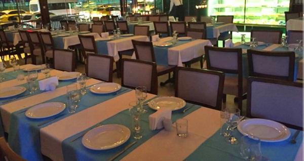 Efendim Restaurant'ta enfes iftar menüsü 65 TL! Bu fırsat 6 Mayıs - 3 Haziran 2019 tarihleri arasında, iftar saatinde geçerlidir.