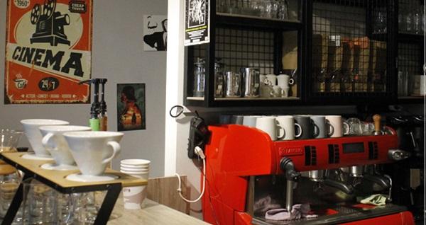 Bornova MyVia 414 Mac Guffin Chocolate and Coffee'den 2 kişilik kahvaltı keyfi 54 TL yerine 39,90 TL! Fırsatın geçerlilik tarihi için DETAYLAR bölümünü inceleyiniz.