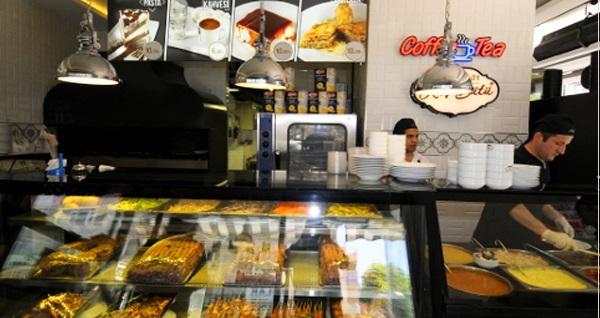 Mecidiyeköy Kuş Sütü Restaurant'ta öğlen ve akşam geçerli köfte ve tavuk menüleri 23,50 TL'den başlayan fiyatlarla! Fırsatın geçerlilik tarihi için DETAYLAR bölümünü inceleyiniz.