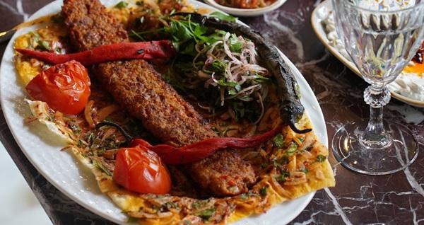Etiler Biges BBQ'da nefis yemek menüleri 69 TL'den başlayan fiyatlarla! Fırsatın geçerlilik tarihi için DETAYLAR bölümünü inceleyiniz.