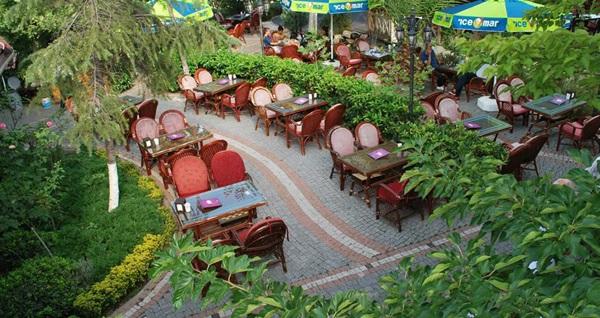 Bakırköy Şehristan Cafe & Restaurant'ta sınırsız çay eşliğinde serpme kahvaltı keyfi 52 TL yerine 34 TL! Fırsatın geçerlilik tarihi için DETAYLAR bölümünü inceleyiniz.