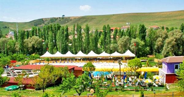 Ankara'nın yaz boyu vazgeçilmez adresi Ümitköy Aqua Apple Garden'da havuz kullanımı 37,50 TL'den başlayan fiyatlarla! Fırsatın geçerlilik tarihi için DETAYLAR bölümünü inceleyiniz.