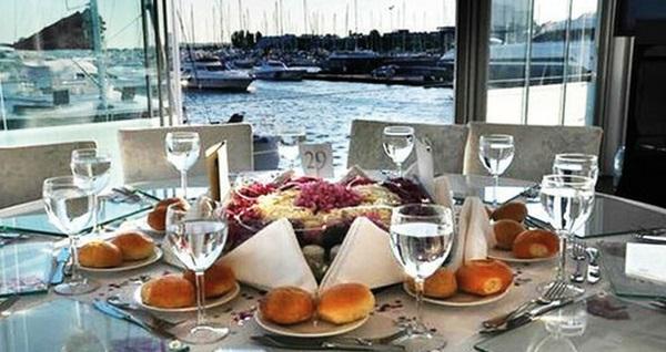 27 Eylül'de Ataköy Marina Nossa Costa'da limitsiz yerli içecek ve fiks menü eşliğinde gerçekleşecek Cengiz Kurtoğlu sahnesi 250 TL'den başlayan fiyatlarla! 27 Eylül 2019 | 20:00 | Ataköy Marina Nossa Costa